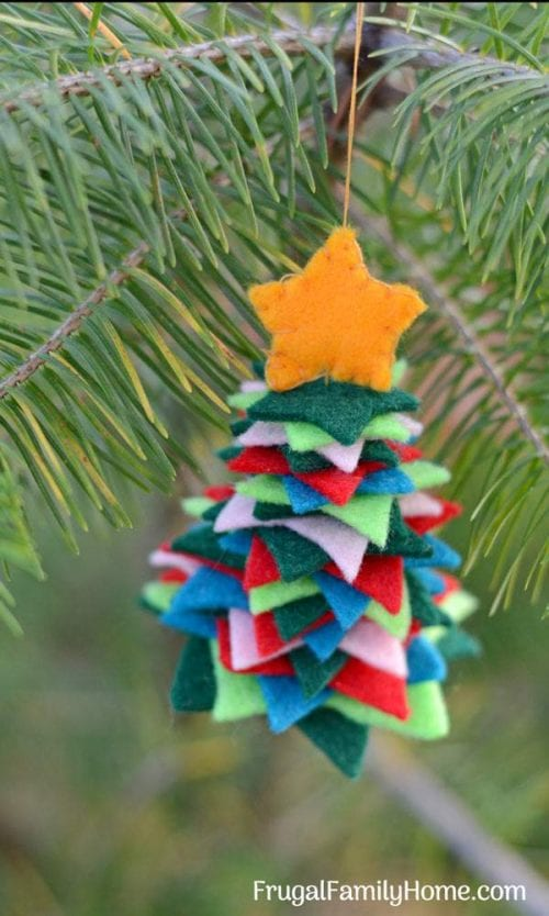 20 Felt Christmas Crafts You Can Make For The Holidays