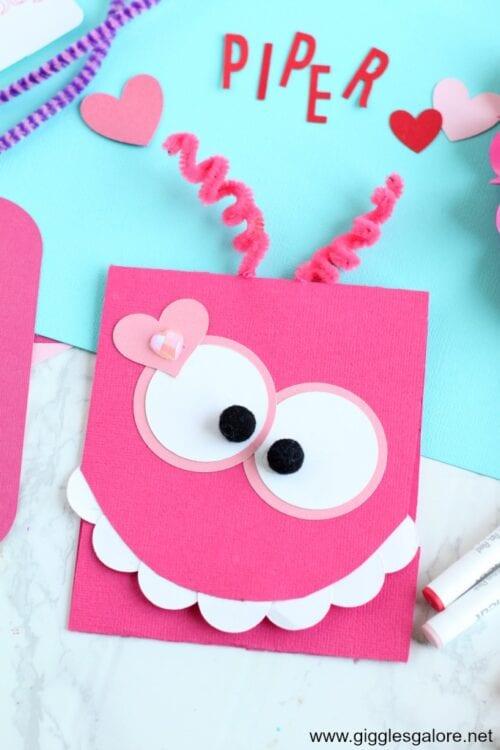 rosa diy Monster-Valentinsgrußkarte