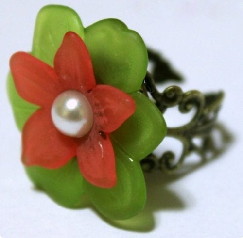 20 Handmade Ring Tutorials: DIY Jewelry Ideas featured by top US craft blog, The Crafty Blog Stalker: Handmade Flower Ring