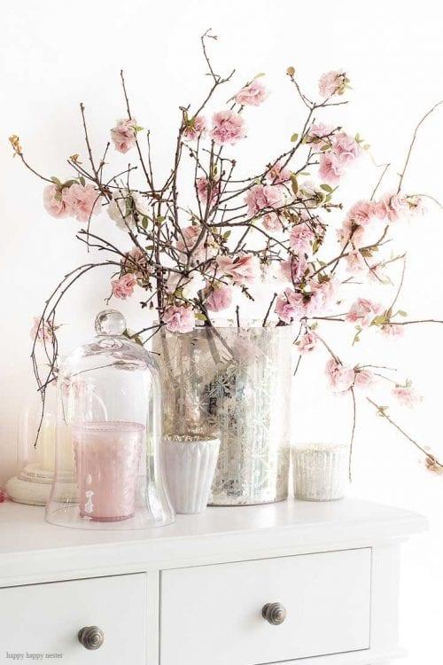 Papierblumenstrauß von Kirschblüten