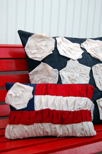 14 Fabulous US Flag Day Crafts featured by top US craft blog, The Crafty Blog Stalker: image of flag day pillow