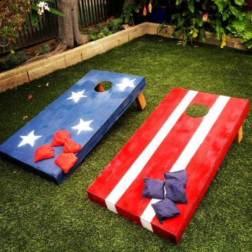 14 Fabulous US Flag Day Crafts featured by top US craft blog, The Crafty Blog Stalker: image of patriotic cornhole bean bag toss