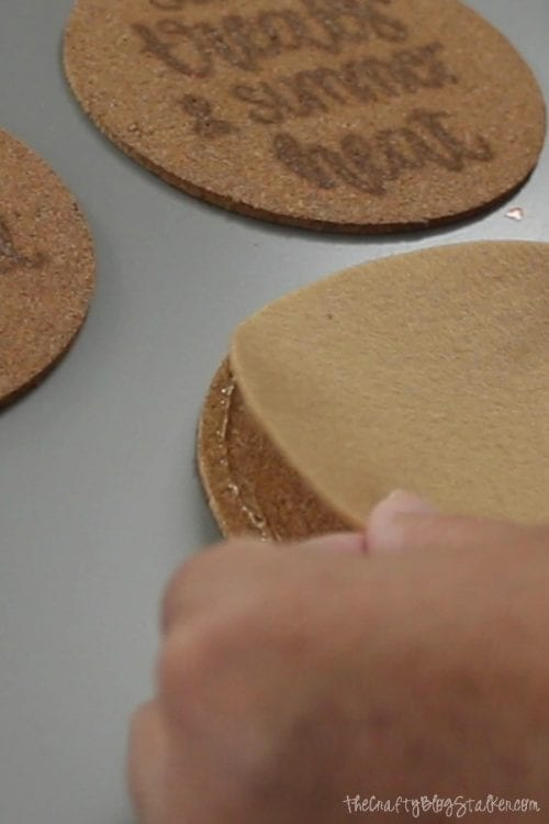 How to Make Wood Burning Cork Coasters with a Scorch Marker featured by top US craft blog, The Crafty Blog Stalker - felt circle