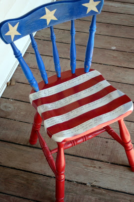 14 Fabulous US Flag Day Crafts featured by top US craft blog, The Crafty Blog Stalker: image of patriotic chair