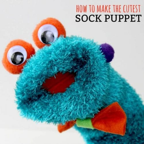 20 Sock Craft Ideas to make with Mismatched Socks featured by top US craft blog, The Crafty Blog Stalker: sock puppet