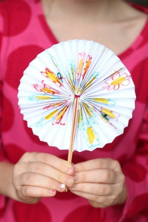 Easy Popsicle Stick Crafts featured by top US craft blog: DIY pocket fans
