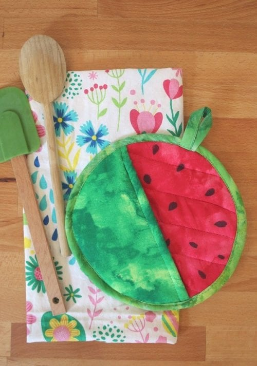 Top 20 Fun Watermelon Craft Ideas Perfect for Summer featured by top US craft blog, The Crafty Blog Stalker: pot holder