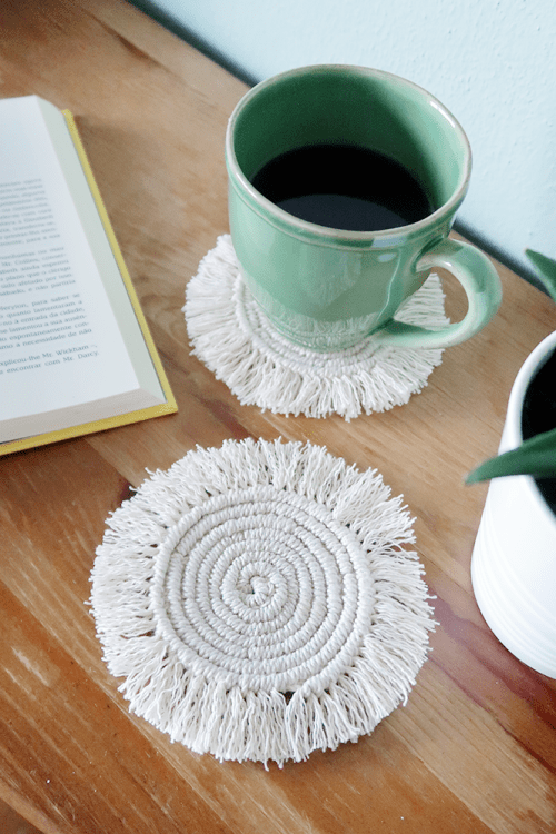 Easy-to-Make DIY Coasters featured by top US craft blog, The Crafty Blog Stalker: image of DIY macrame round coasters