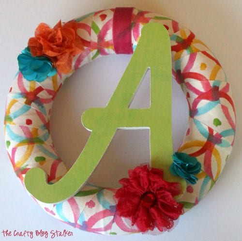 20 No Sew Scrap Fabric Projects featured by top US craft blog, The Crafty Blog Stalker: image of monogram wreath