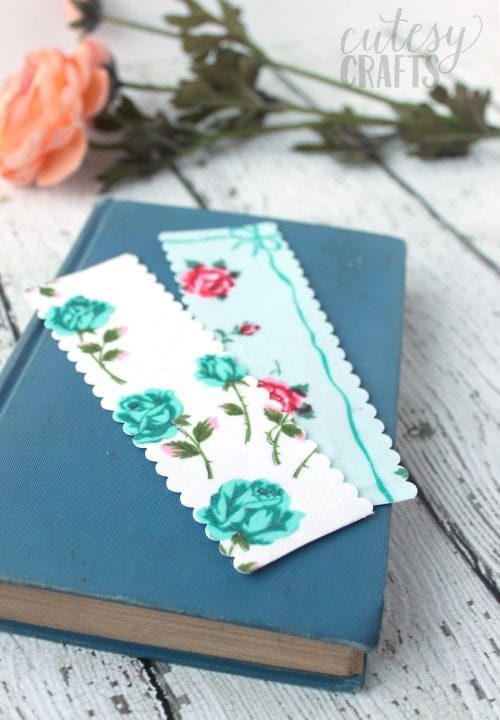 20 No Sew Scrap Fabric Projects featured by top US craft blog, The Crafty Blog Stalker: image of handmade bookmarks