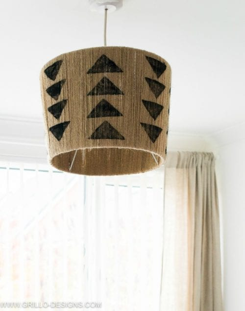 Top 20 DIY Lampshade Ideas to Lighten Up a Room featured by top US craft blog, The Crafty Blog Stalker: image of DIY jute lampshade