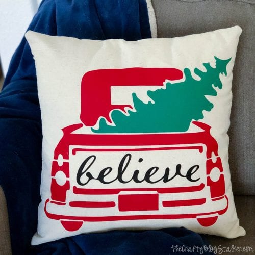 DIY Holiday Throw Pillow tutorial featured by top US craft blog, The Crafty Blog Stalker.: holliday throw pillow
