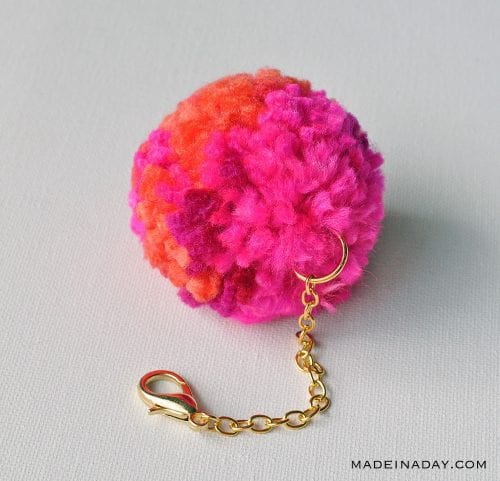 20 of the Best Handmade Keychains & Keyrings featured by top US craft blog, The Crafty Blog Stalker: DIY pom pom keychain