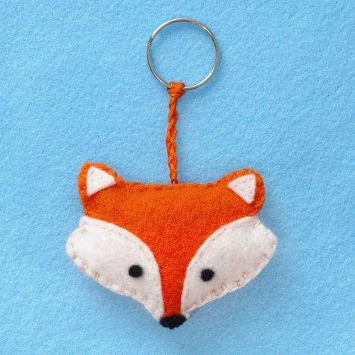 20 of the Best Handmade Keychains & Keyrings featured by top US craft blog, The Crafty Blog Stalker: felt fox keyring.