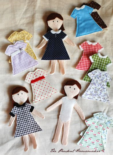 20 Handmade Gift Ideas featured by top US craft blog, The Crafty Blog Stalker: Felt Paper Dolls