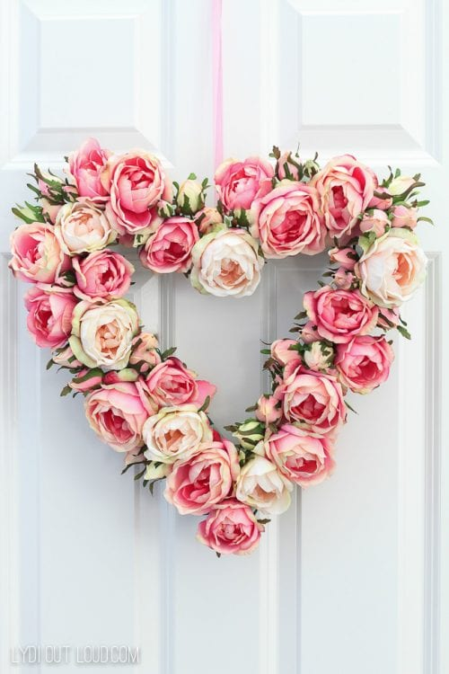 20 Sweet and Loving Valentines Decoration Ideas featured by top US craft blog, The Crafty Blog Stalker: floral valentines day wreath.