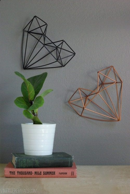 20 Sweet and Loving Valentines Decoration Ideas featured by top US craft blog, The Crafty Blog Stalker: geometric himmeli heart.