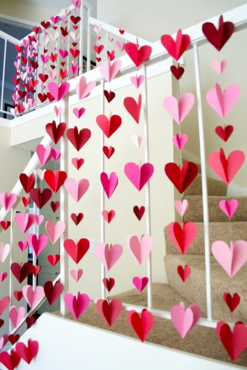 25 Easy Paper Heart Project Ideas, featured by top US craft blog, The Crafty Blog Stalker: Heart Paper Garlands
