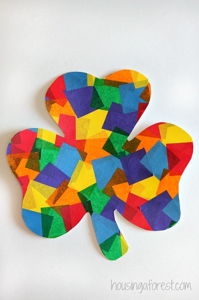 20 Lucky St. Patrick's Day Crafts for Kids featured by top US craft blog, The Crafty Blog Stalker: Rainbow Shamrock Craft