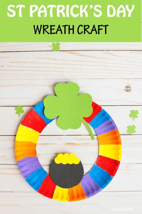 20 Lucky St. Patrick's Day Crafts for Kids featured by top US craft blog, The Crafty Blog Stalker: St. Patrick's Day Wreath Craft