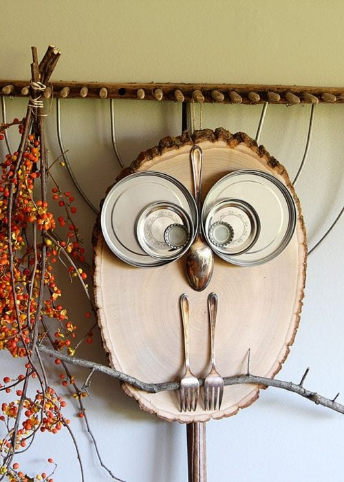 20 Fun Bird Crafts for Adults featured by top US craft blog, The Crafty Blog Stalker: DIY Wood Slice Owl