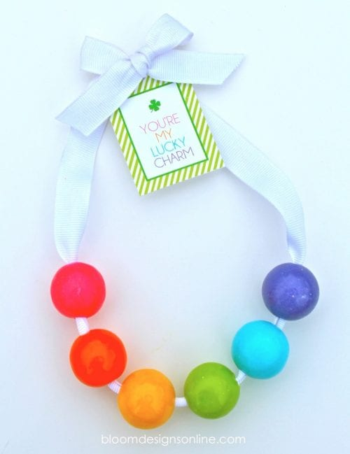 20 Lucky St. Patrick's Day Crafts for Kids featured by top US craft blog, The Crafty Blog Stalker:  Lucky Charm Bubble Gum Necklace