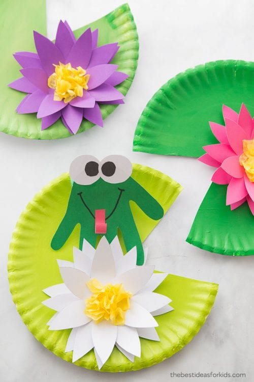 30 Fun Spring Break Crafts you can Make with Children featured by top US craft blog, The Crafty Blog Stalker: Frog Craft
