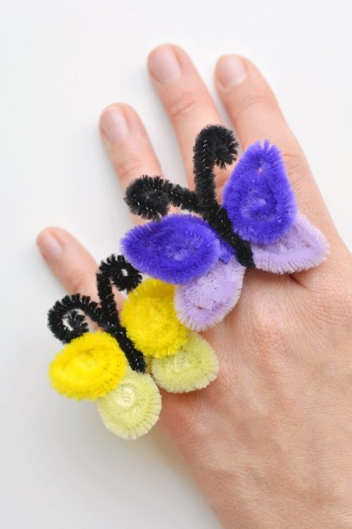 30 Fun Spring Break Crafts you can Make with Children featured by top US craft blog, The Crafty Blog Stalker: Pipe Cleaner Butterfly Rings