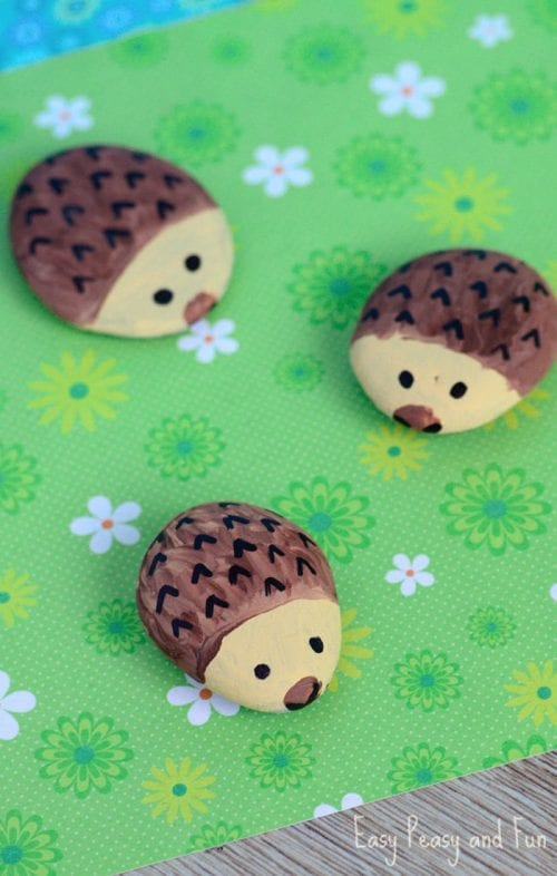 20 of the Best Painted Rock Art Ideas, You Can Do! featured by top US craft blog, The Crafty Blog Stalker: Hedgehog Painted Rocks