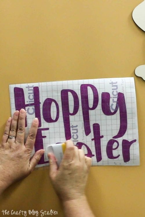 How to Make a DIY Hoppy Easter Sign, a Cricut tutorial featured by top US craft blog, The Crafty Blog Stalker.