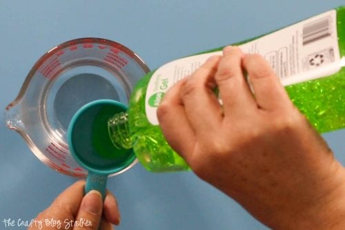 How to Make Homemade Hand Sanitizer for your Family, a tutorial featured by top US craft blog, The Crafty Blog Stalker.