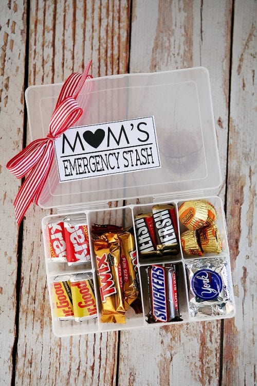 20 Easy Handmade Gifts for Mom on Mother's Day, featured by top US craft blog, The Crafty Blog Stalker: Mom's Emergency Stash