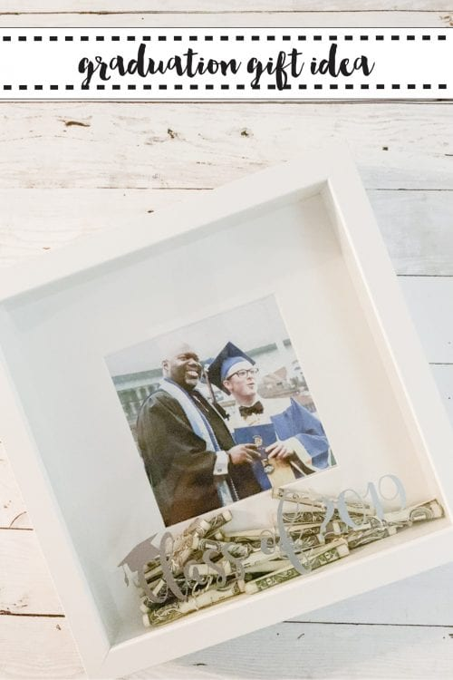 20 Handmade DIY Graduation Gifts, featured by top US craft blog, The Crafty Blog Stalker: Graduation Gift Idea