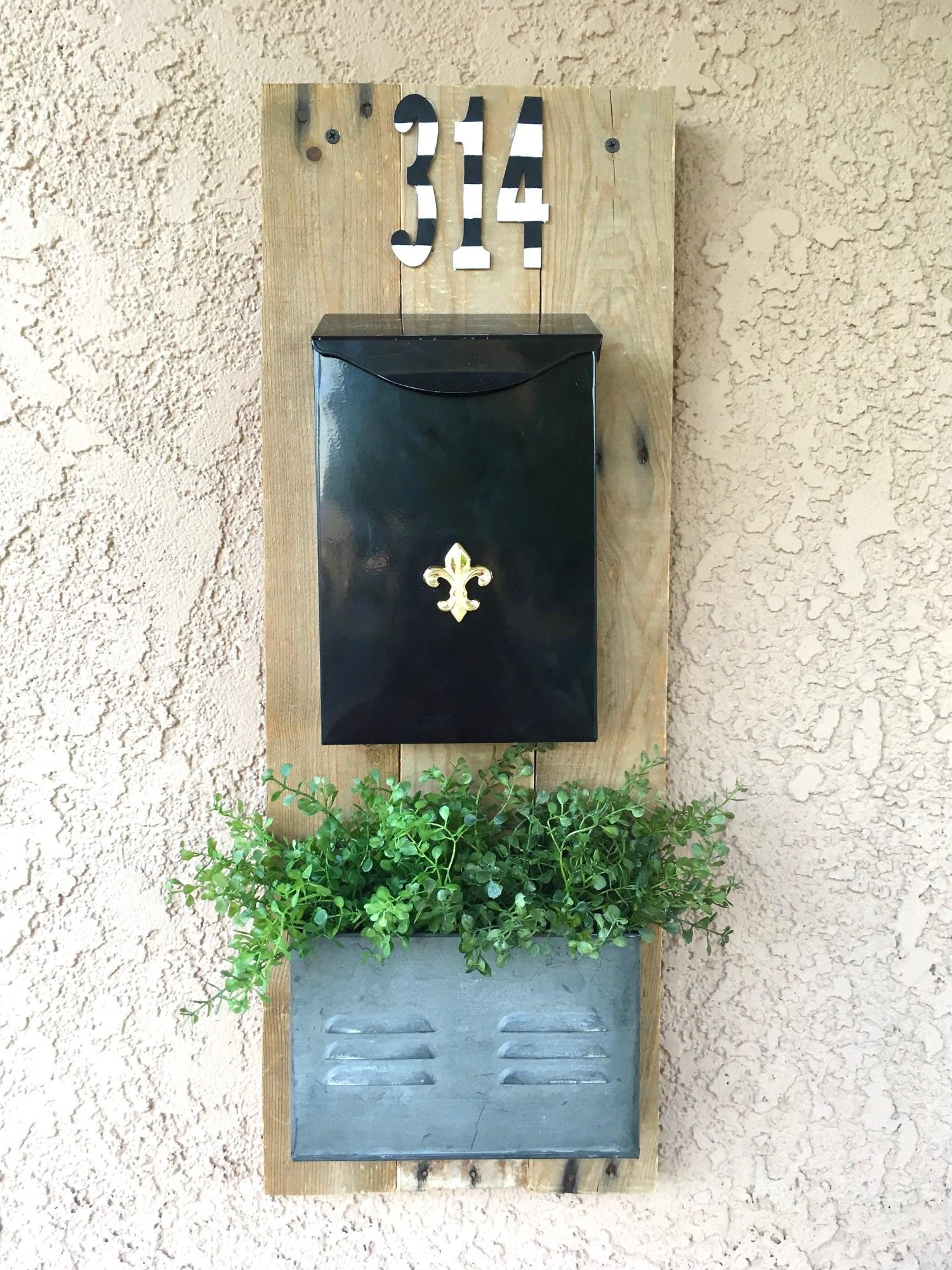 image of Farmhouse Style Mailbox