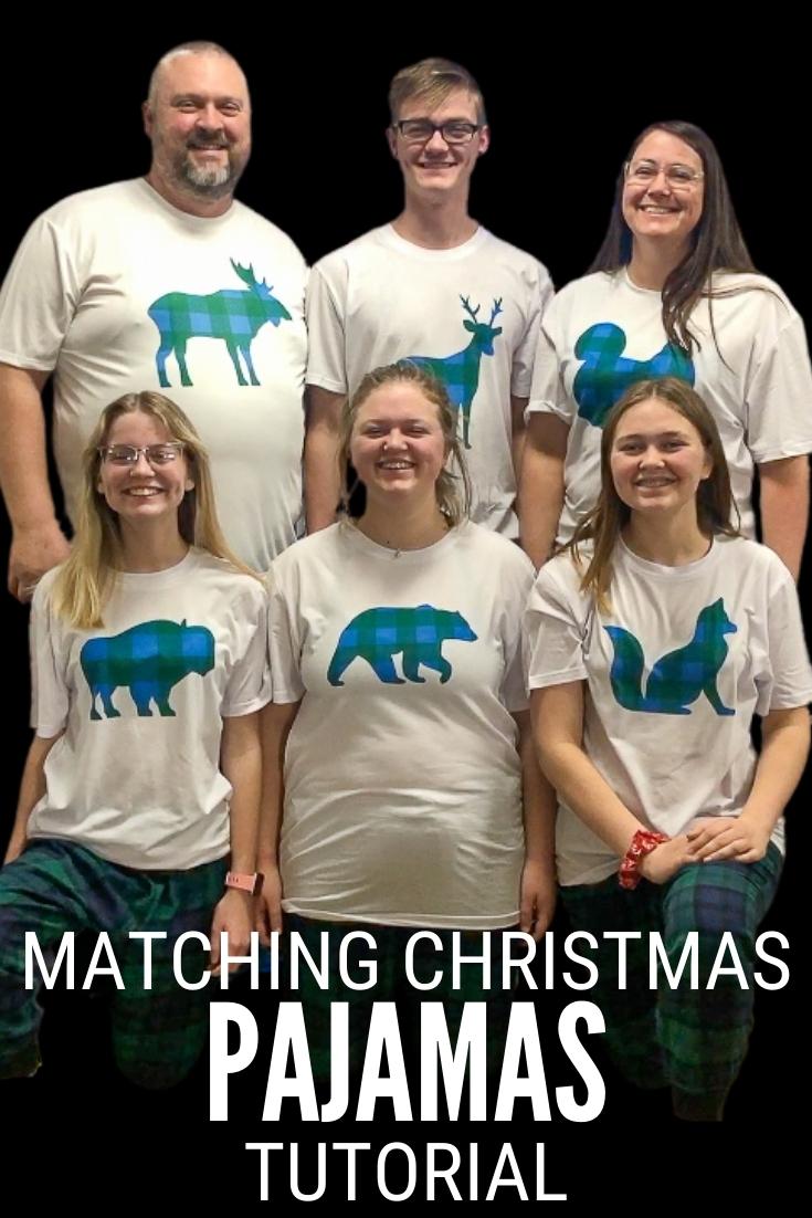 passender karierter Weihnachtspyjama 14