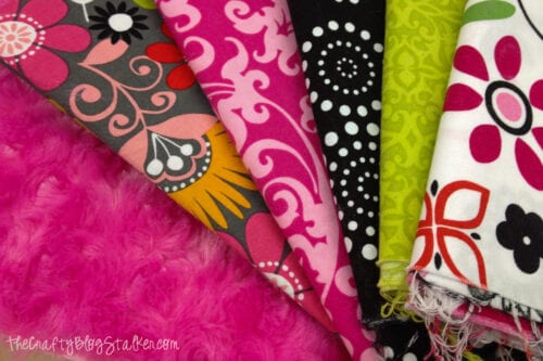 Different fabrics used to make the blanket