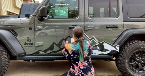 apply large vehicle decals 15